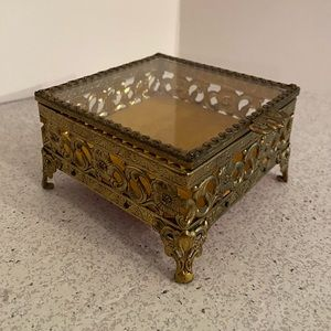 Vintage gold ormolu jewelry box casket square lid